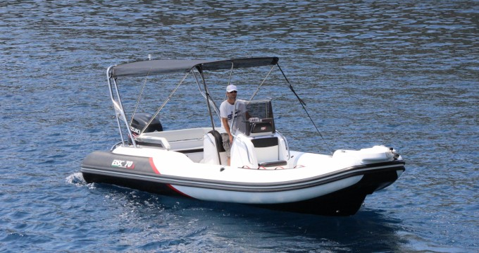 Hire RIB with or without skipper Bsc Hvar