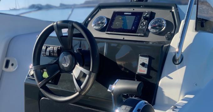 Rental Motorboat in Mahón - Quicksilver Activ 675 Sundeck