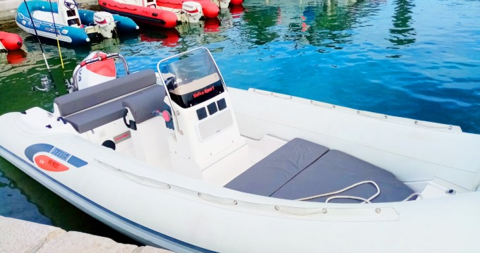 RIB for rent Cagnes-sur-Mer at the best price