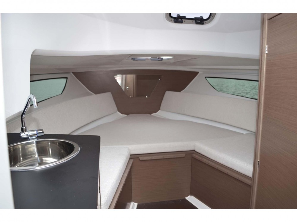 Motor boat for rent Medulin at the best price