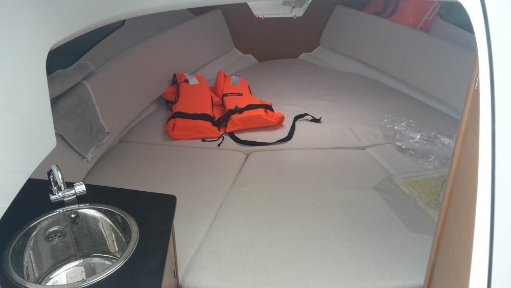 Rental Motor boat in Medulin - Jeanneau Jeanneau Cap Camarat 7.5 WA SERIE 2