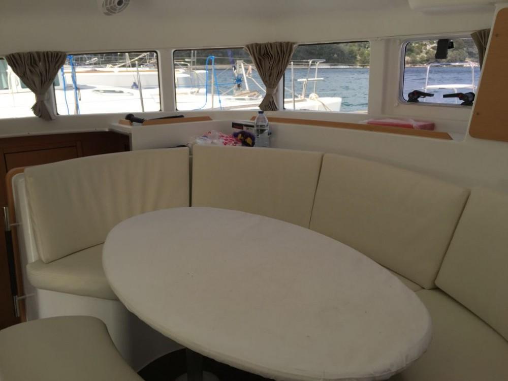 Rental yacht Saint-Mandrier-sur-Mer - Lagoon Lagoon 380 on SamBoat