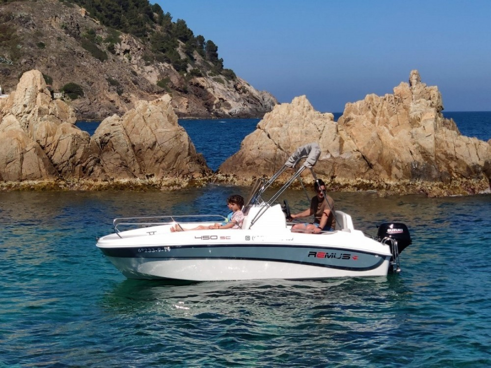 Boat rental Palamós cheap Remus 450 open