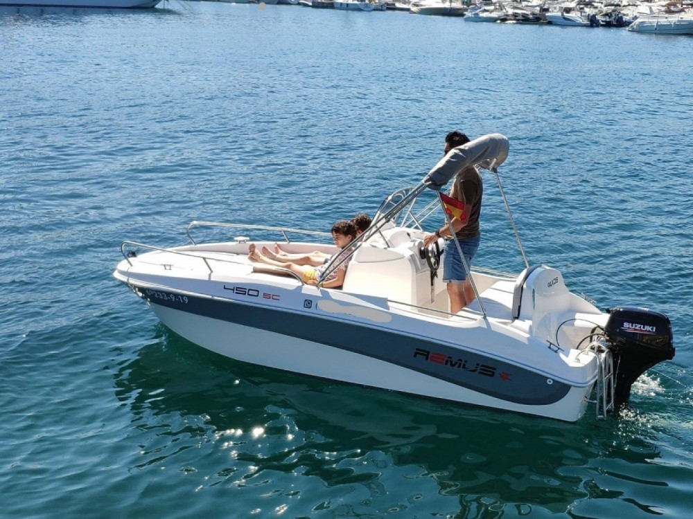 Boat rental Remus Remus 450 open in Palamós on Samboat