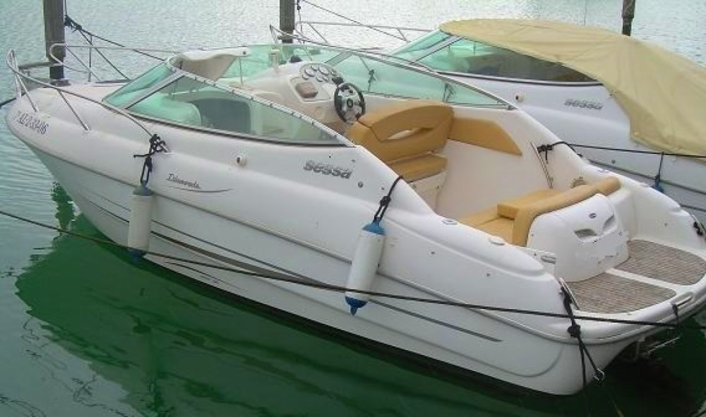Sessa Marine Islamorada 23 between personal and professional Moniga del Garda