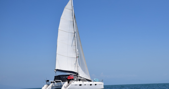 Hire Catamaran with or without skipper Alliaura-Marine Porto-Vecchio