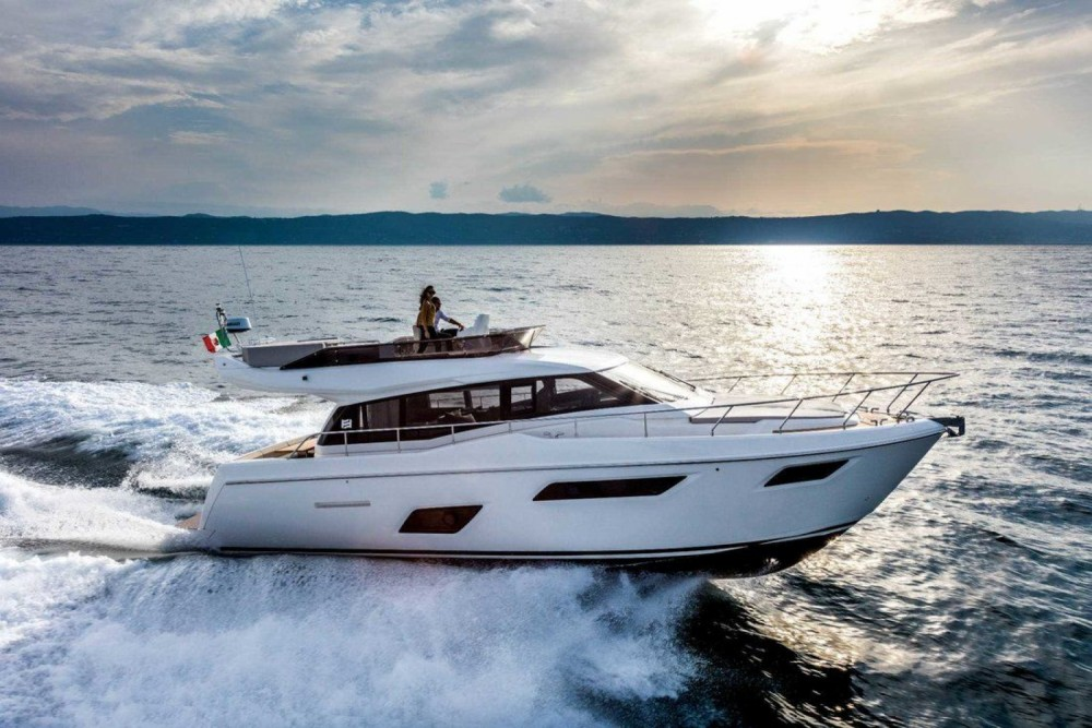 Hire Motorboat with or without skipper Ferretti Podstrana