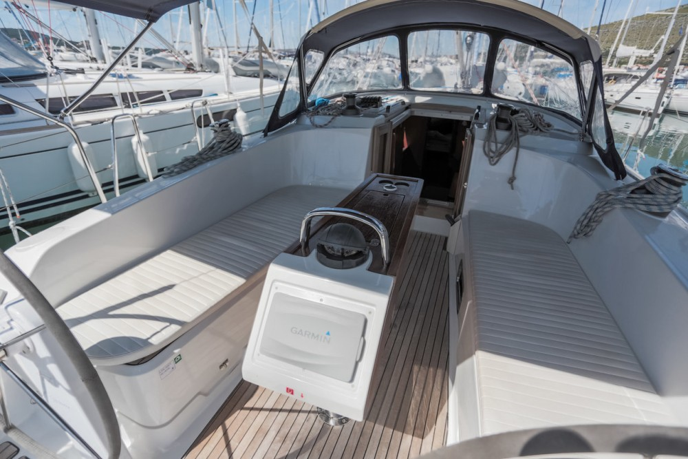 Boat rental  cheap Cruiser 41