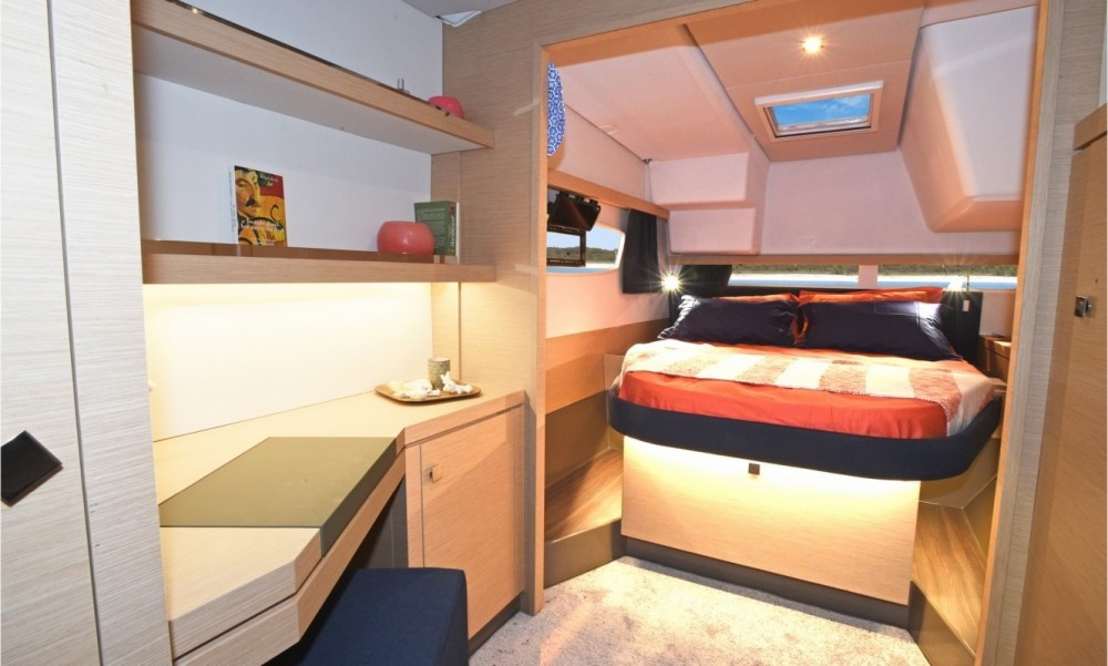 Rent a Fountaine Pajot Fountaine Pajot Lucia 40