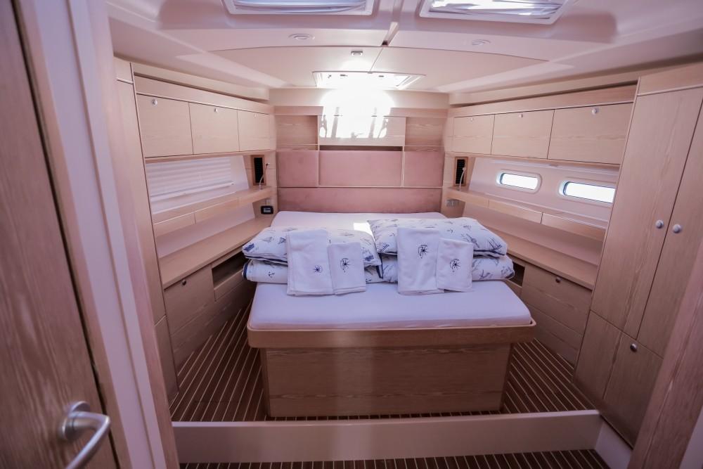 Rental yacht Seget Donji - Hanse Hanse 575 on SamBoat