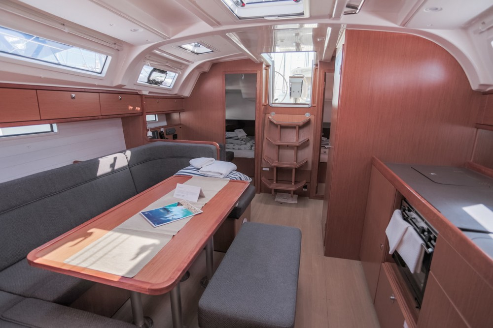 Rent a Bavaria Cruiser 41