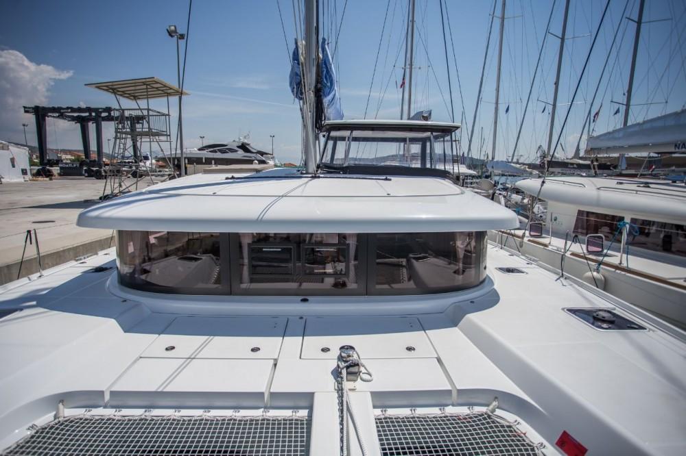 Boat rental Croatia cheap Lagoon 42