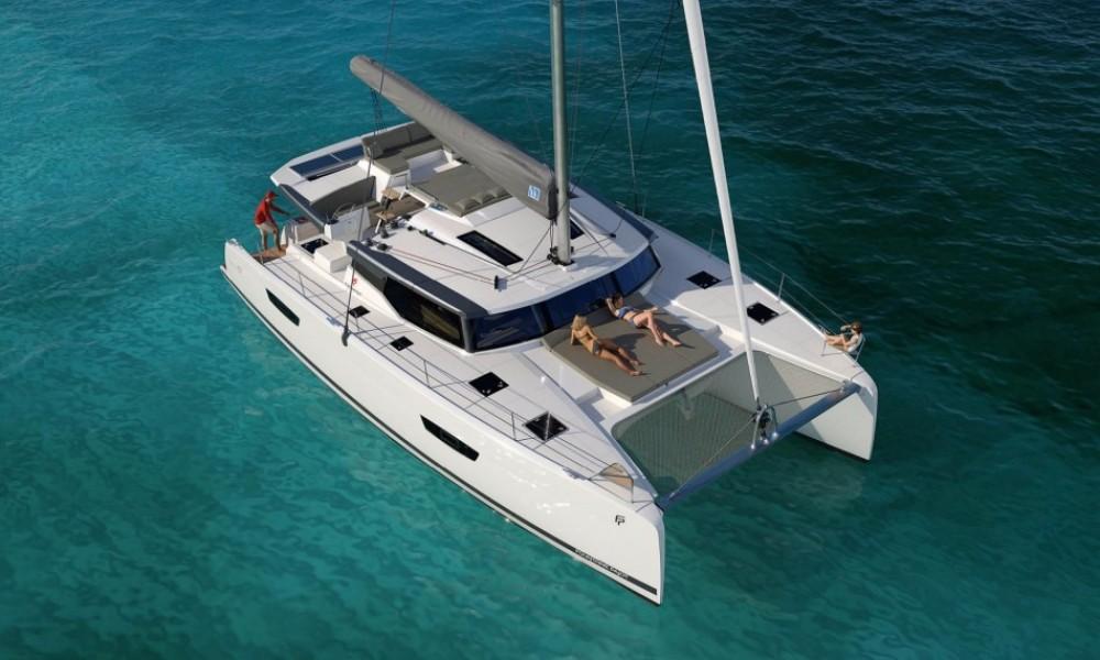 Fountaine Pajot Saona 47 between personal and professional Saint-Mandrier-sur-Mer
