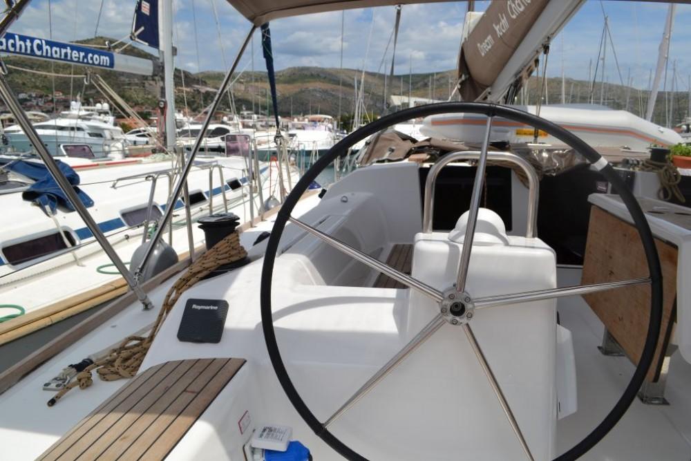 Rental Sailboat in Furnari - Dufour Dufour 460 Grand Large