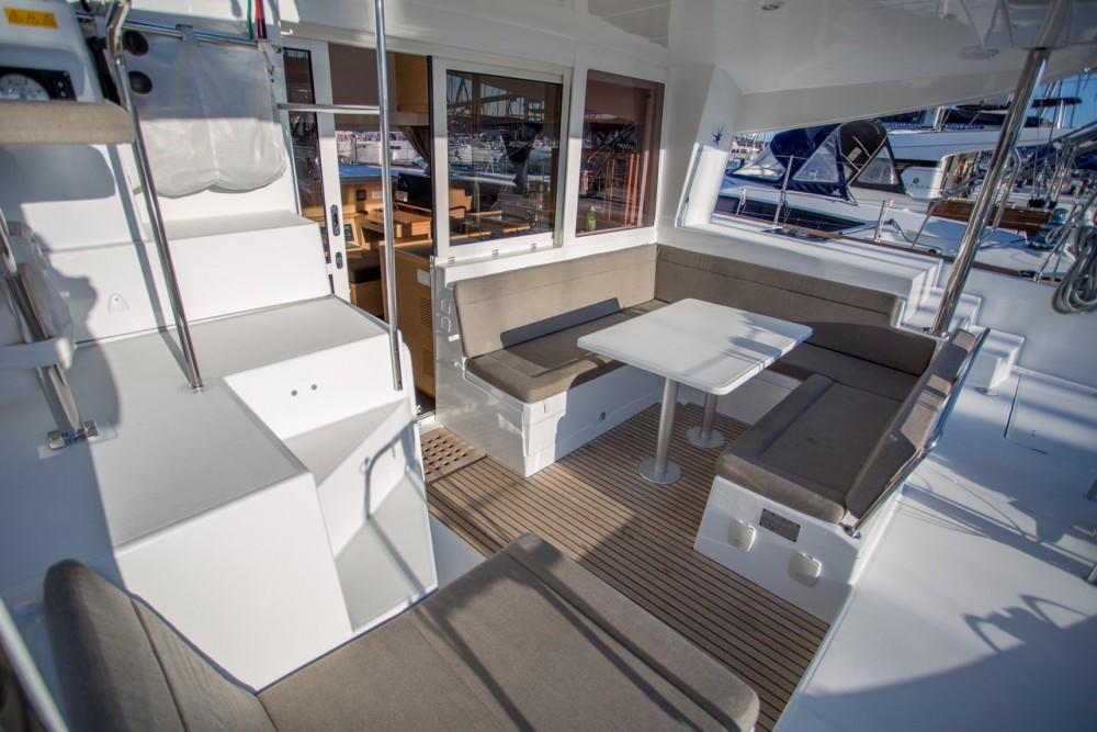 Rental Catamaran in  - Lagoon Lagoon 400 S2 - 4 + 2 cab.