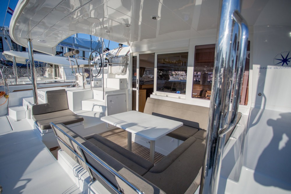 Boat rental Seget Donji cheap Lagoon 400 S2 - 4 + 2 cab.