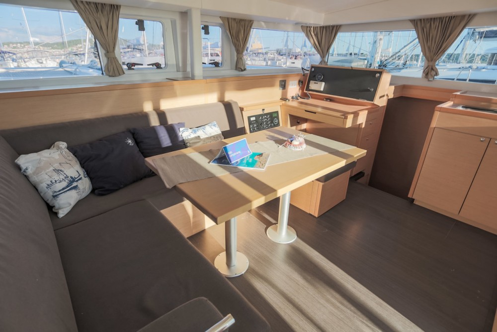 Rental yacht Seget Donji - Lagoon Lagoon 400 S2 - 4 + 2 cab. on SamBoat