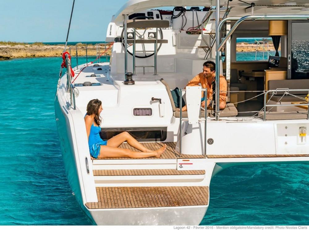Rental Catamaran in Seget Donji - Lagoon Lagoon 42 - 4 + 2 cab.