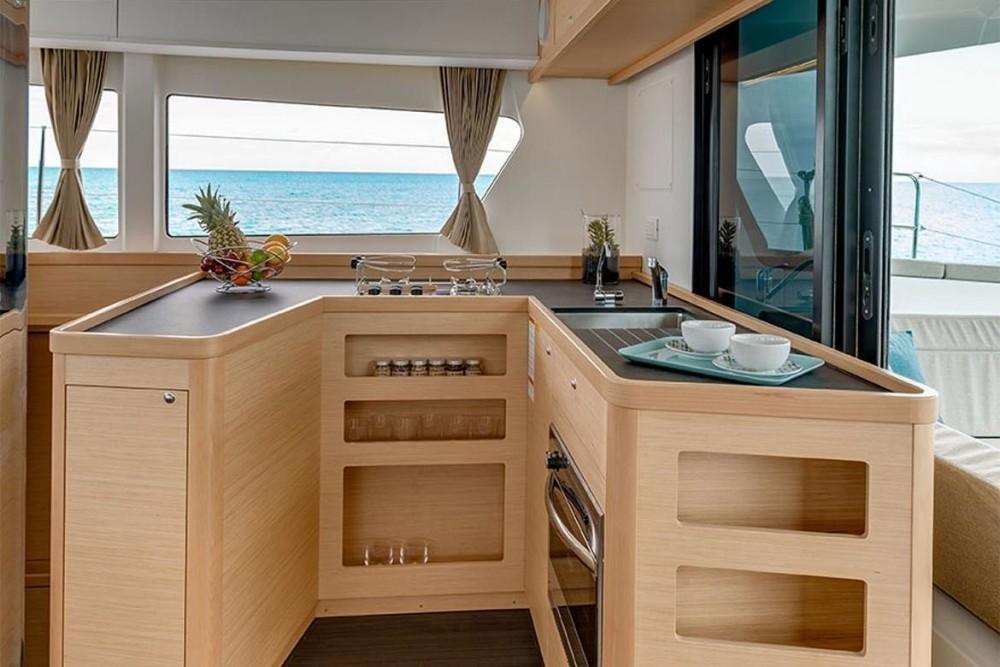 Rental yacht Seget Donji - Lagoon Lagoon 42 - 4 + 2 cab. on SamBoat
