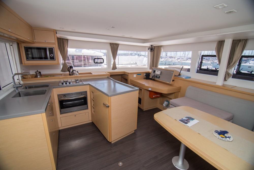 Rental Catamaran in Seget Donji - Lagoon Lagoon 450