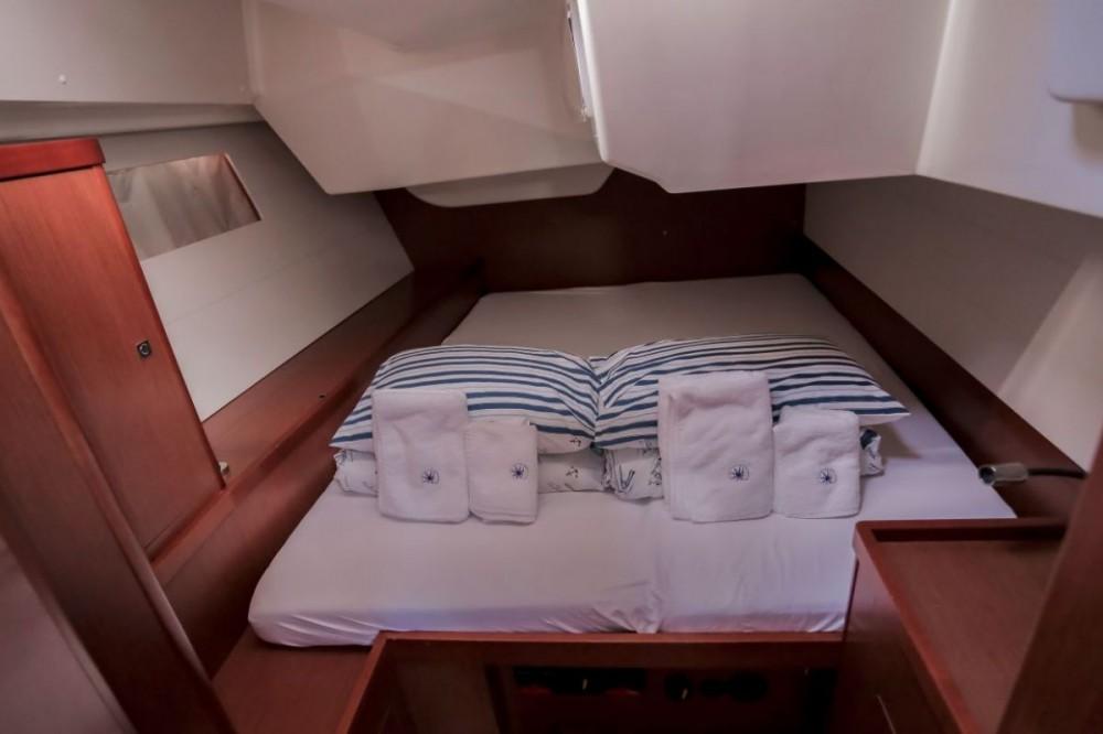 Rental Sailboat in Seget Donji - Bénéteau Oceanis 48