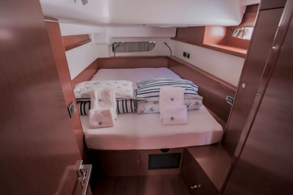 Rental yacht  - Bénéteau Oceanis 60 on SamBoat