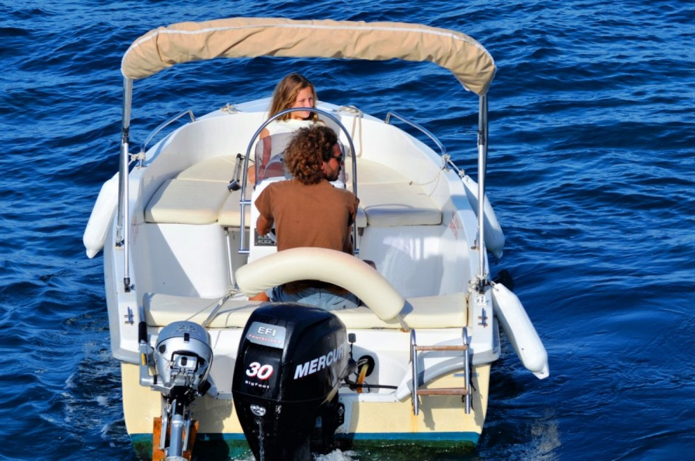 Rental Motorboat Assos Marine with a permit