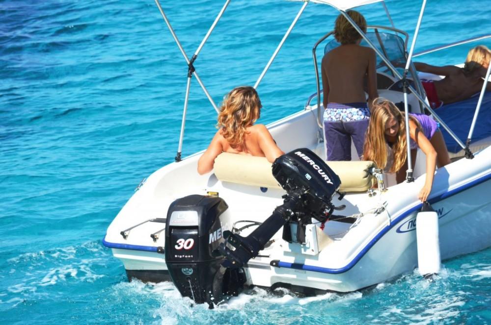 Boat rental Gaios cheap 480 Bluewater