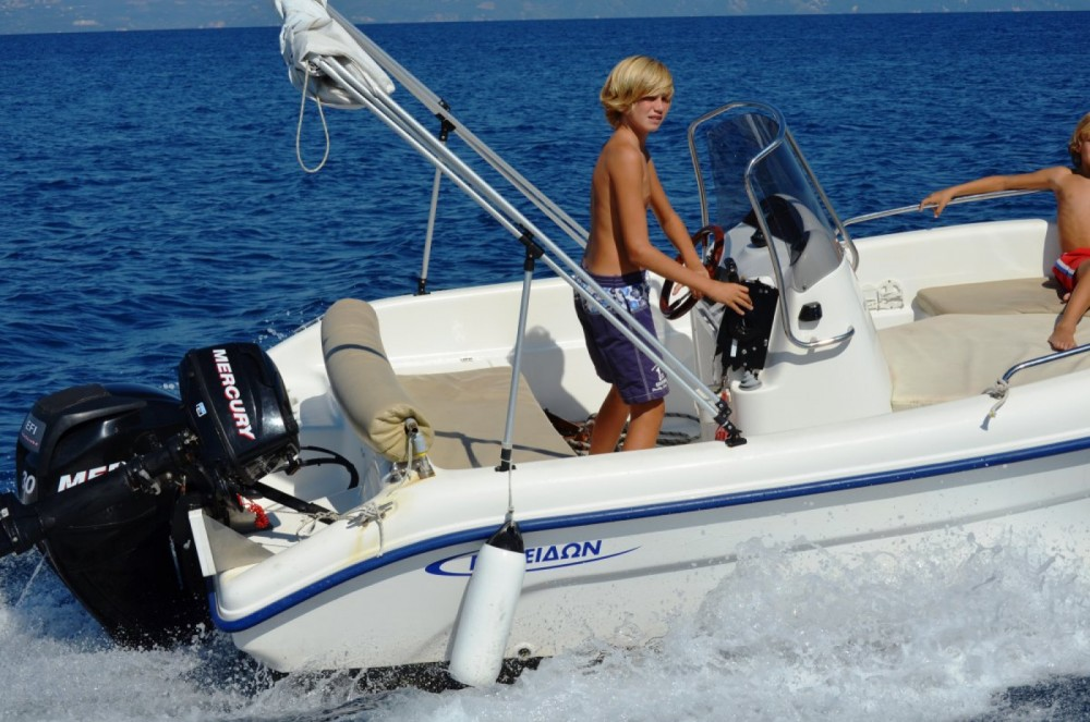 Poseidon 480 Bluewater between personal and professional Gaios