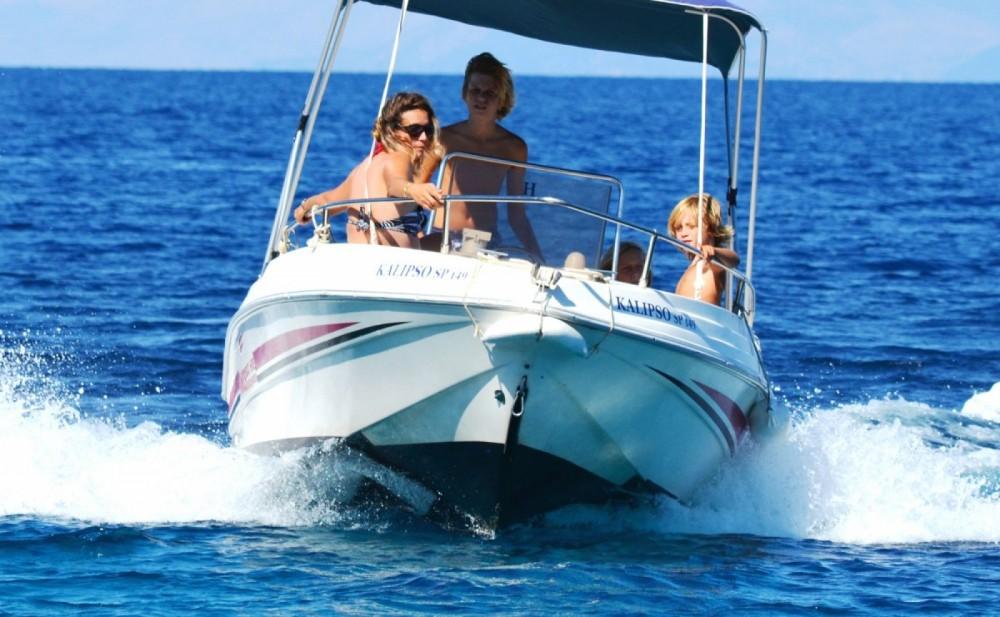 Rental Motorboat in Gaios - Poseidon 480 Bluewater