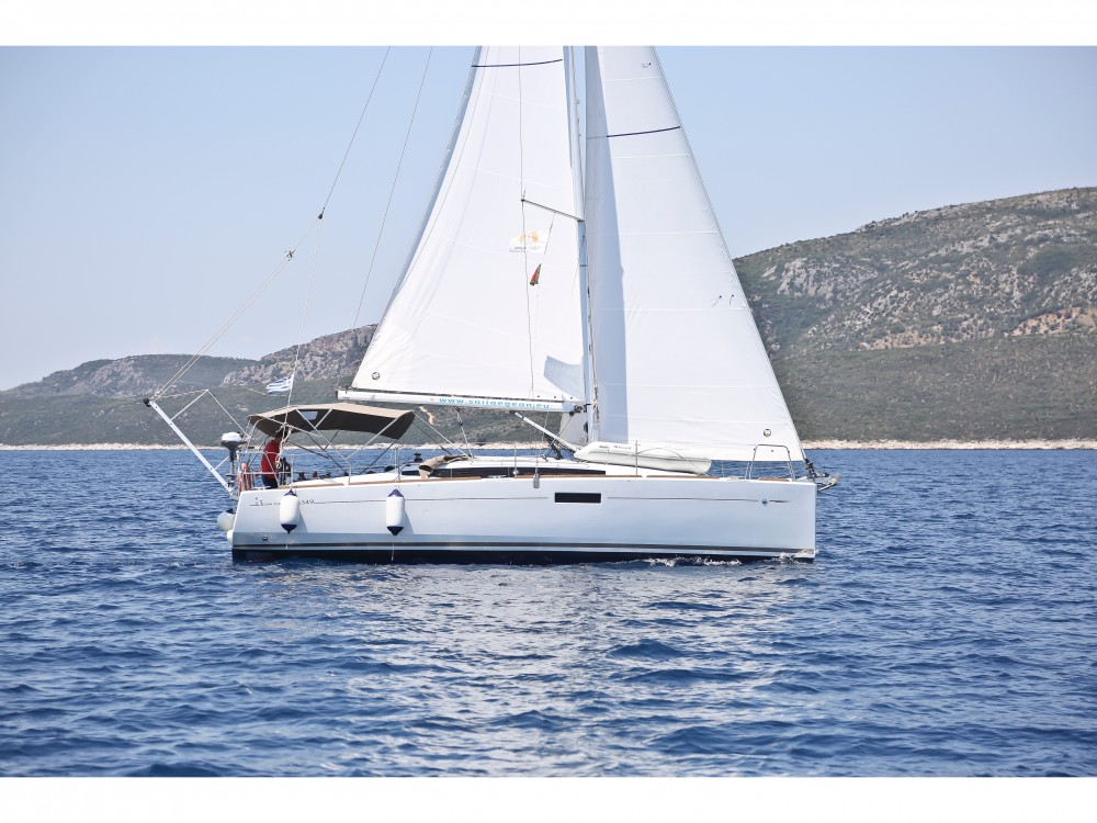 Rental Sailboat in Volos - Jeanneau Sun Odyssey 349