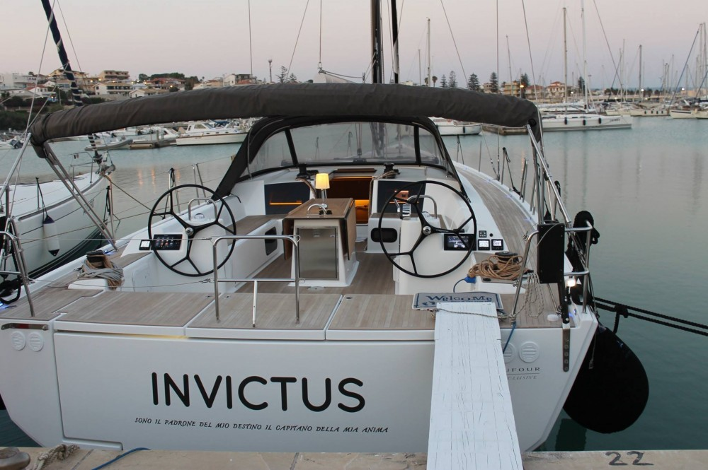 Sailboat for rent Capo d'Orlando at the best price