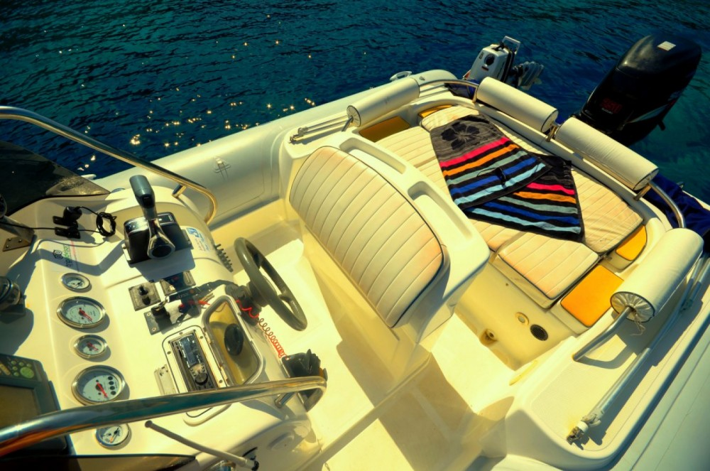 Hire RIB with or without skipper Colbac Gaios