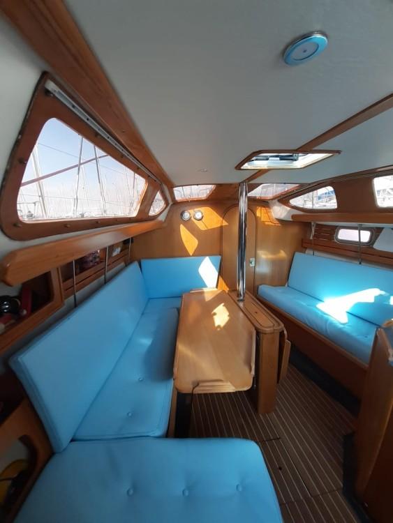 Rental Sailboat in La Rochelle - Kirie Feeling 326