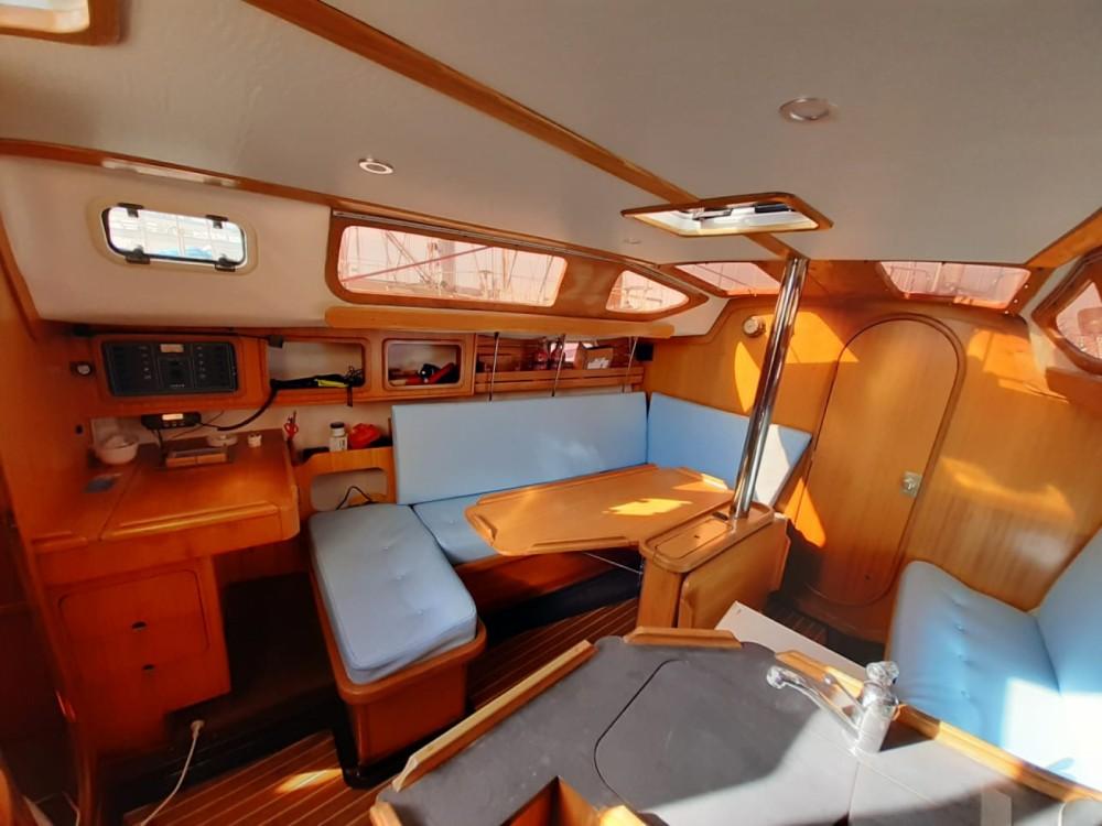 Rental yacht La Rochelle - Kirie Feeling 326 on SamBoat