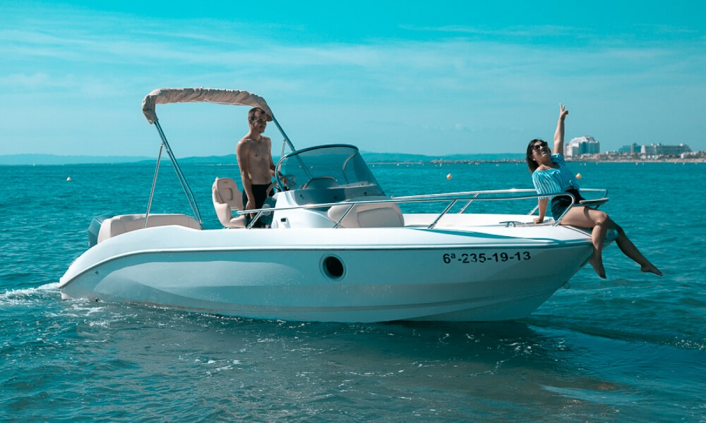 Rental Motorboat in Roses - Sessa Marine Key Largo 20