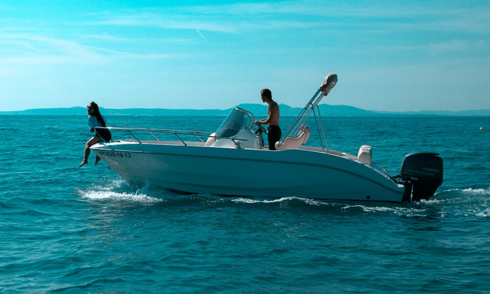 Rent a Sessa Marine Key Largo 20 Roses