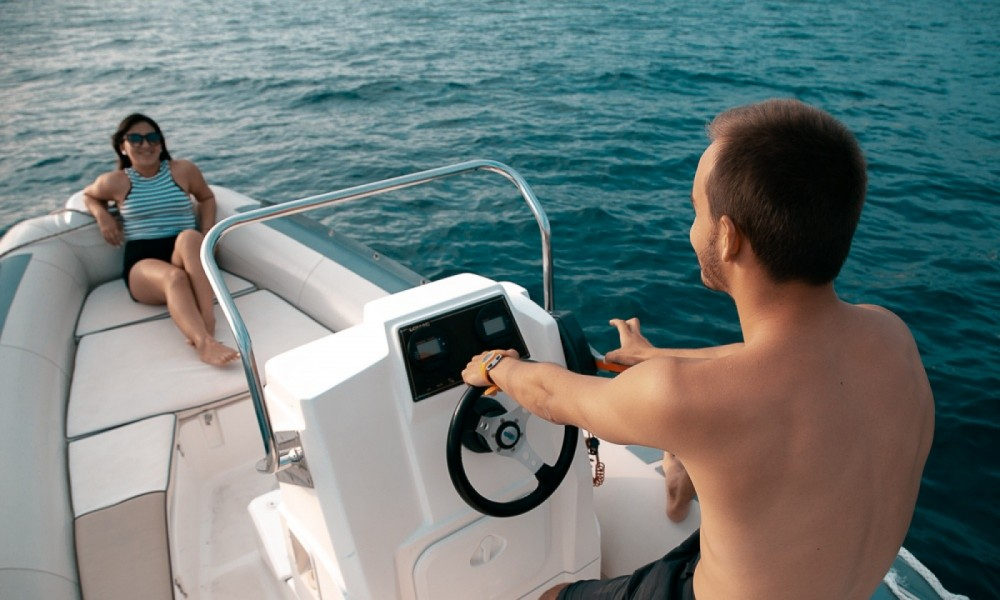 Rental yacht Roses - Lomac Lomac 600 IN on SamBoat