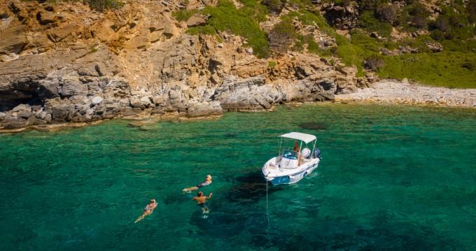 Boat rental Olympic speedboat 4.5cc in Milos on Samboat