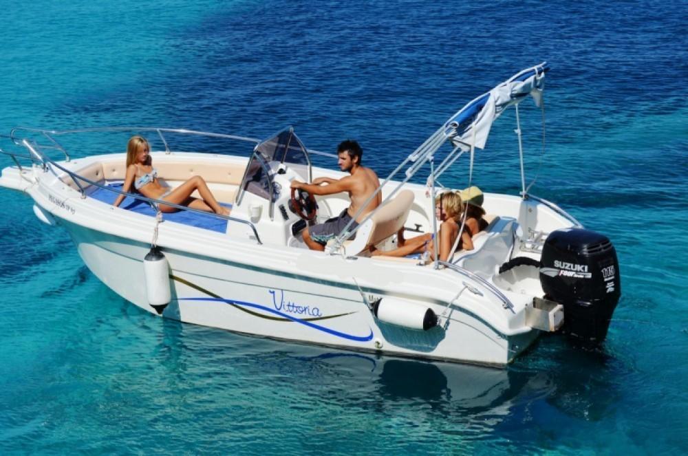 Boat rental Vittoria Matu  19 in Gaios on Samboat