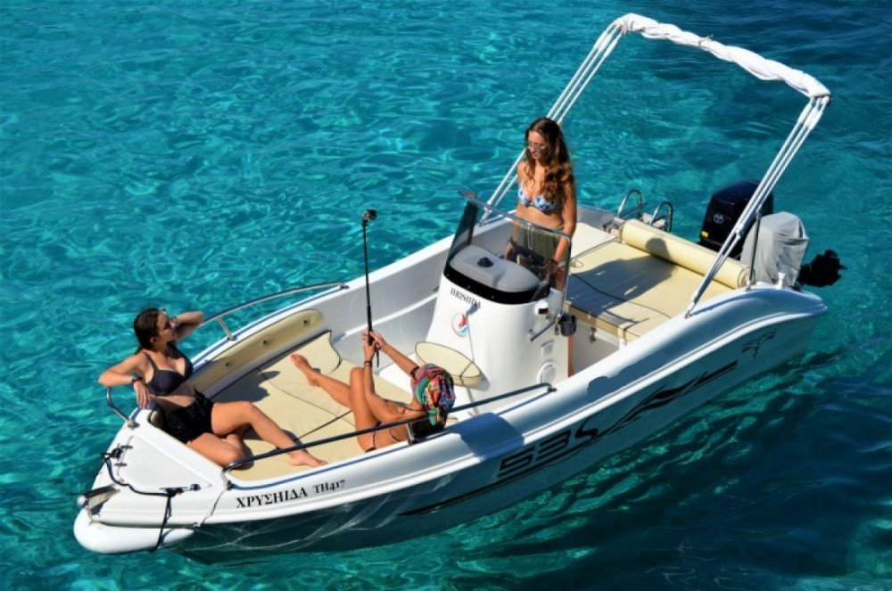 Motorboat for rent Gaios at the best price