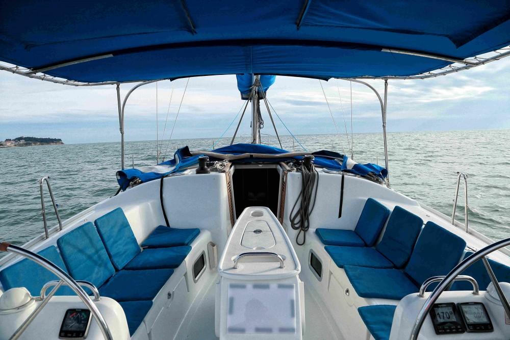 Hire Sailboat with or without skipper Bénéteau Kassándreia