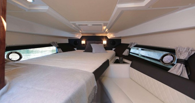 Rental yacht  - Grandezza Grandezza 28 0C on SamBoat
