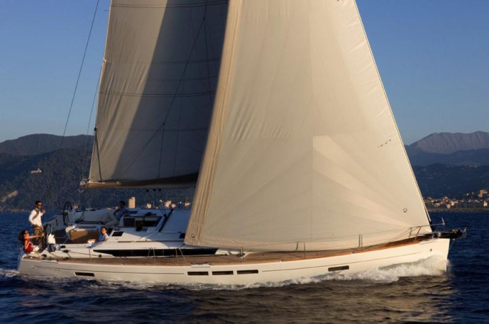 Rental Sailboat in Saint-Mandrier-sur-Mer - Jeanneau Sun Odyssey 519