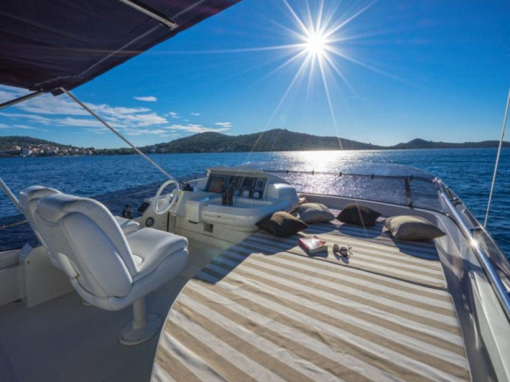 Rental Yacht in Punat - Dominator 620S
