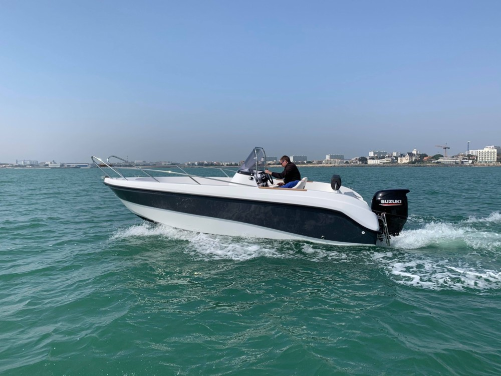 Lobster boat Open 605 between personal and professional La Rochelle