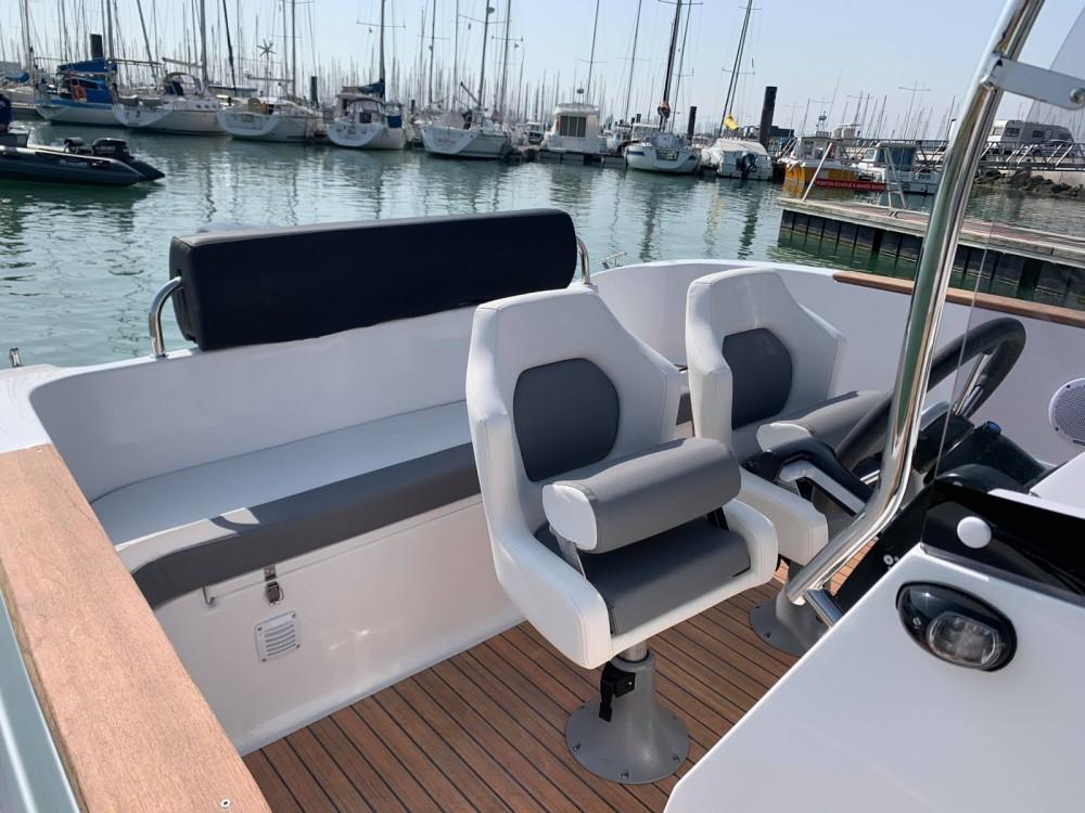 Rental yacht La Rochelle - Lobster boat Open 605 on SamBoat