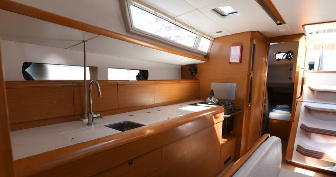 Rental Sailboat in Volos - Jeanneau Sun Odyssey 469