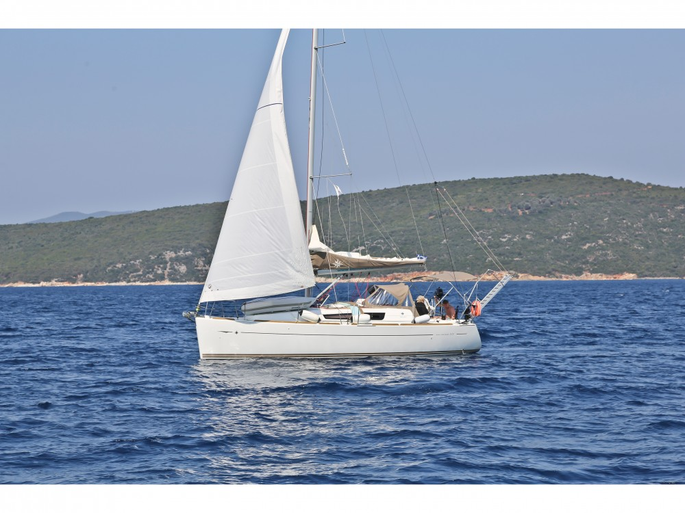 Hire Sailboat with or without skipper Jeanneau Skópelos