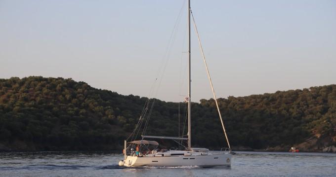 Rental Sailboat in Skopelos Town - Jeanneau Sun Odyssey 439
